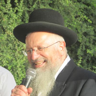 הרב שמואל אליהו שליט'א עורך חופה בגן הדסים
